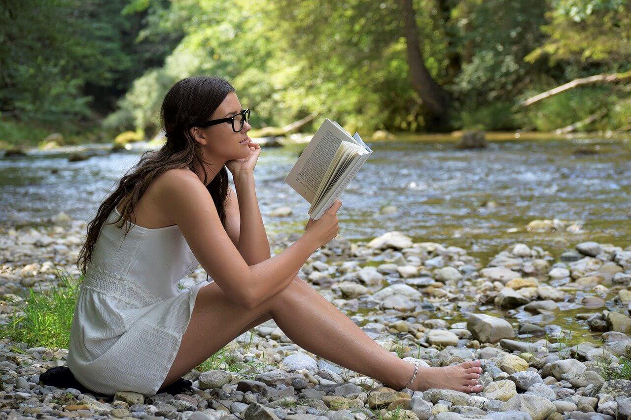 Membaca di alam terbuka